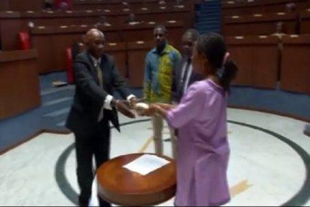 Descarga los proyectos de ley que regulan el Matrimonio Tradicional en Guinea Ecuatorial