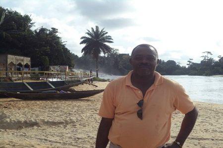 """SAMUEL M. MOMBE """"que yo sepa Daniel M. Oyono no tiene las manos manchadas de sangre"""""""