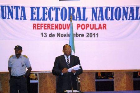 El Ministerio del Interior complica la legalización de Partidos Políticos
