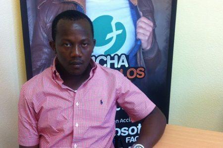 Un guineaneoecuatoriano lleva desde el sábado sin saber cuándo volverá a su país