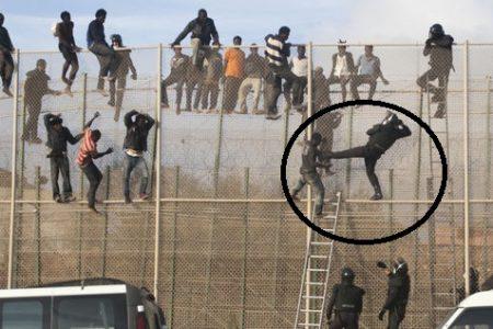 La Guardia Civil española golpea indiscriminadamente a los africanos en  la valla de Melilla