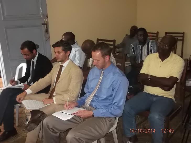 Sólo asistieron representantes de las embajadas
