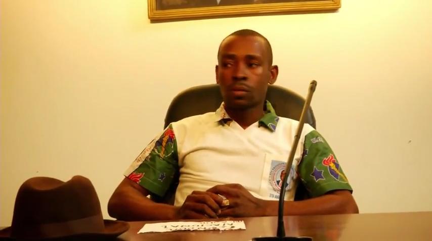 Ex Coordinador de ASHO durante una reunión en Mongomo