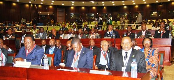"""Obiang Nguema """"Si hay Guerra no me escapare pero mis ministros si que lo harán"""""""