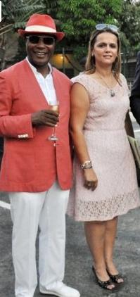Teodoro Nsue Biyogo e Irene Rolón posando durante la inauguración del Vistamar Candy Bata