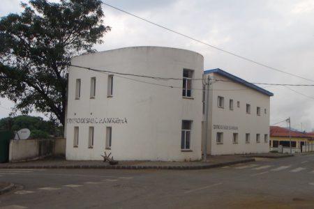 Muere una niña en brazos de sus padres tras haber visitado el Centro de Salud de Elá Nguema