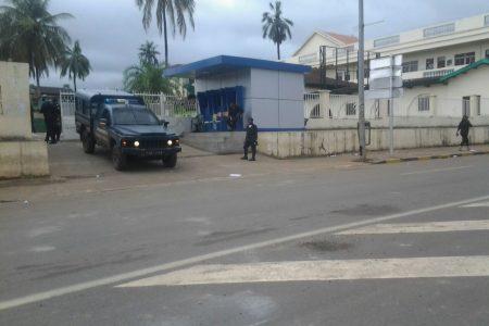 """La UNGE controlada por el Ejército y la Policía Nacional """"ni entra ni sale nadie"""""""