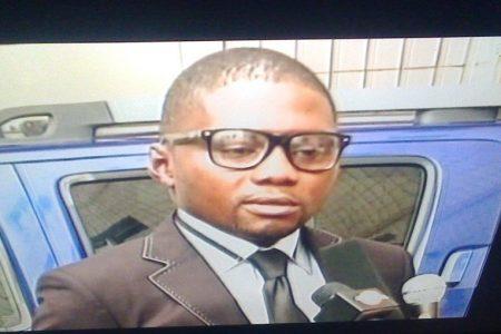Diallo Coulibaly es el conductor de Crisantos Obama Ondo en Roma