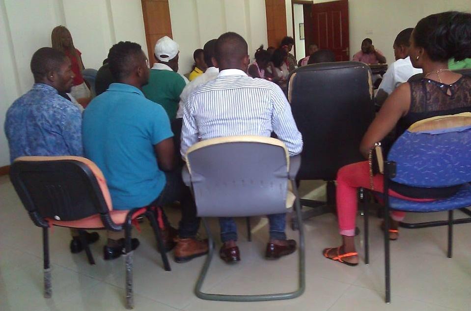 Durante la reunión celebrada en el Instituto Bioko Norte (Agentes Censales)