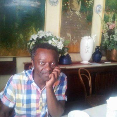 """Guillem Balboa Buika """"la gran industria del petróleo beneficia a la familia de Obiang"""""""