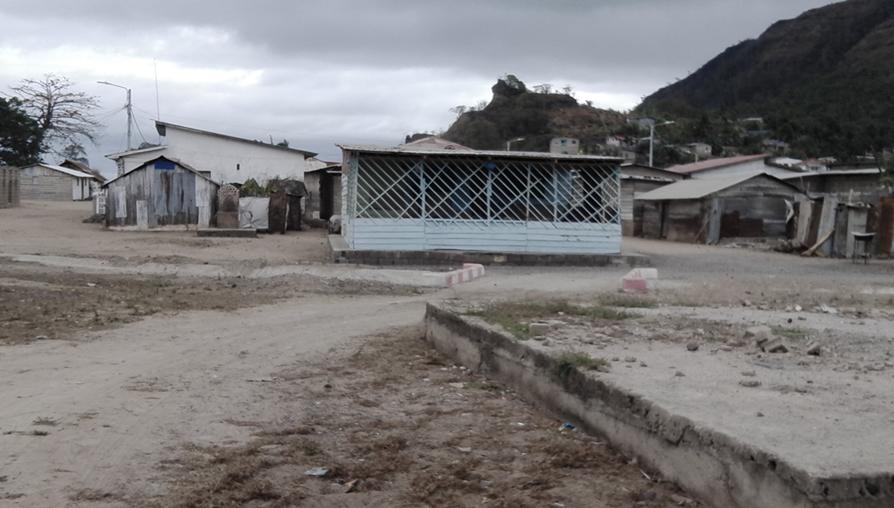 Bar de Adoración Salas Chonco (centro).