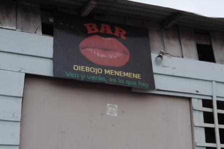 """La diputada Adoración Salas Chonco alias """"Salatu"""" su famoso bar en Annobón"""