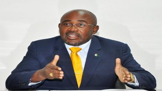 El Ministro de Obras Públicas Nko Mbula adjudica a una de sus empresas proyectos millonarios
