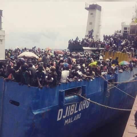 """La administración del buque  """"Djibloho"""" abandona en Annobón a los estudiantes"""