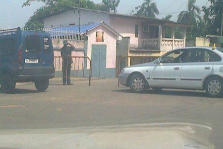 Armengol Ondo Nguema ordena bloquear el Barrio Lea por motivo de la celebración de la boda de su hijo