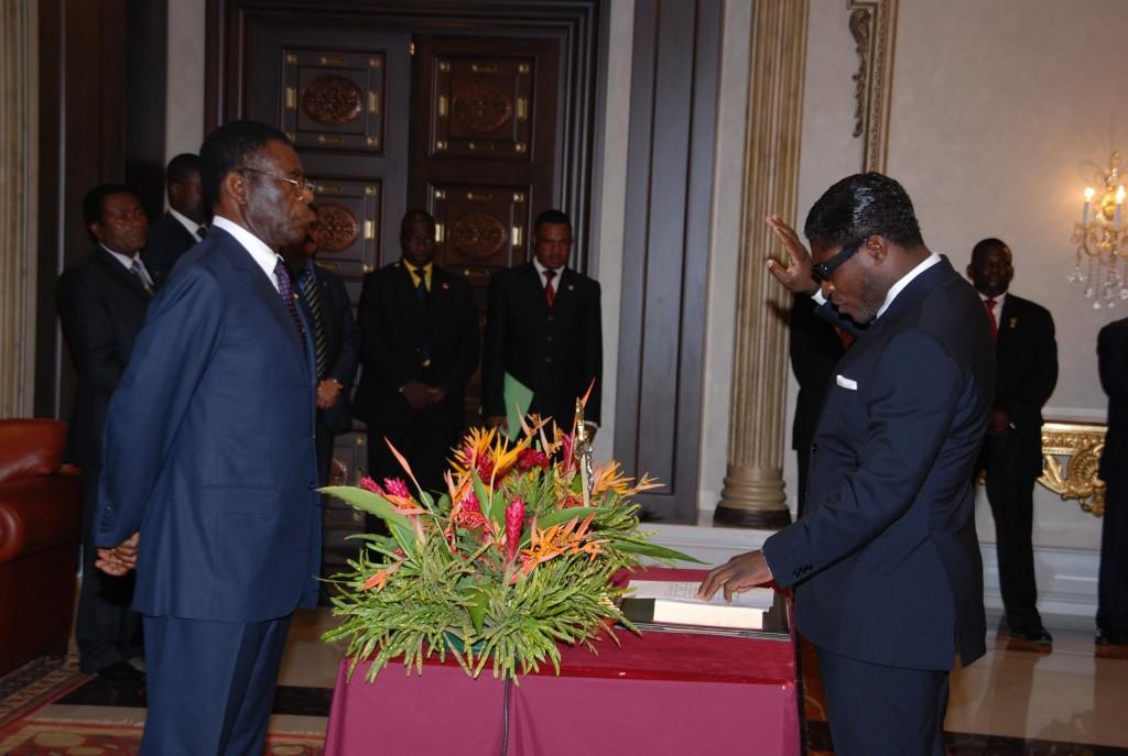 Teodoro Nguema Obiang Mangue jurando el Cargo Inconstitucinal