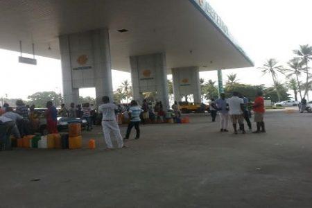 Los surtidores de Gepetrol en Bata están sin petróleo ni gasolina