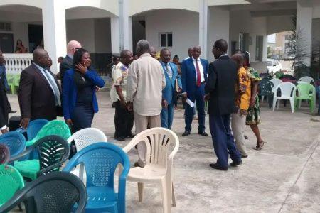 Los profesores podrían convocar una huelga para exigir la destitución del Ministro