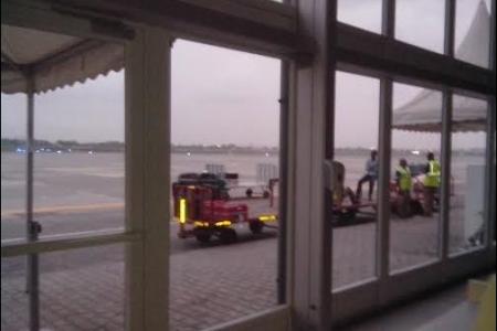 El Gobierno compra grupos electrógenos para alumbrar la pista de aterrizaje del aeropuerto
