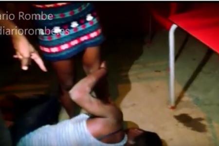Vídeo: Una mujer ingresada después de ser golpeada por la amante de su pareja