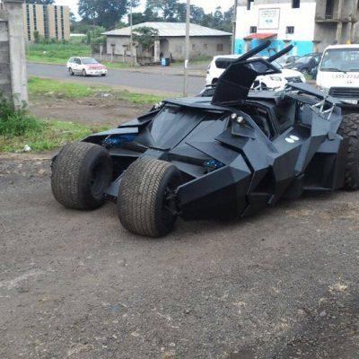 Nguema Obiang presume de haber comprado una réplica del coche de Batman