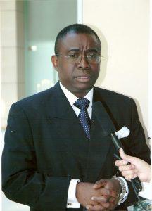 El dictador Teodoro Obiang Nguema pagó $160,000 por un reportaje de 5 páginas a la Revista Forbes